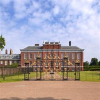 Kensington Palace - Diana - Her Fashion Story